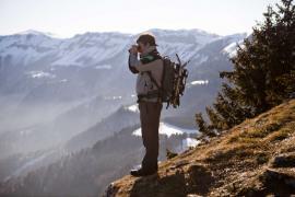 Surveillance par un agent de la réserve - © F. Lepage / Coeurs de nature / SIPA
