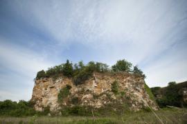 Falaise de grès de l'Hettangien supérieur - © L. Wen  / Coeurs de nature / SIPA