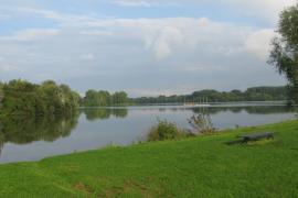 Vue du lac - © J. Beaumadier / Wikipedia